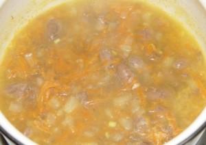 Куриные сердечки в томатном соусе.