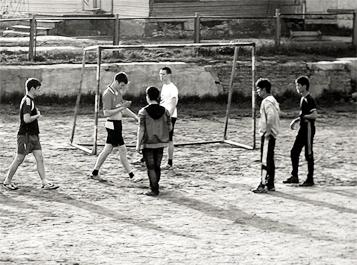 ФУТБОЛ: влияние игры в футбол на организм человека, польза для здоровья и противопоказания.