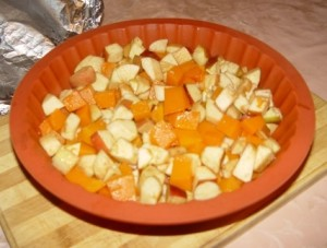 Вкусный и полезный десерт из тыквы с яблоками и лимоном.