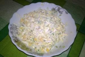 Вкусный салат из пекинской капусты (пошаговый фото-рецепт).