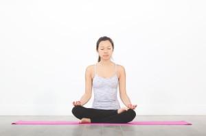 Йога: описание, польза для здоровья и противопоказания.