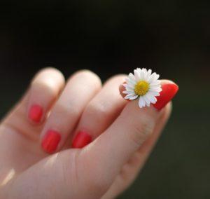 Как укрепить ногти в домашних условиях.