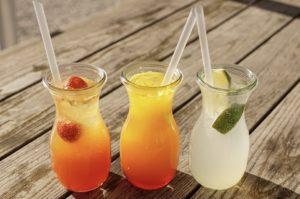 Топ-9 полезных и вкусных напитков вместо сладкой газировки